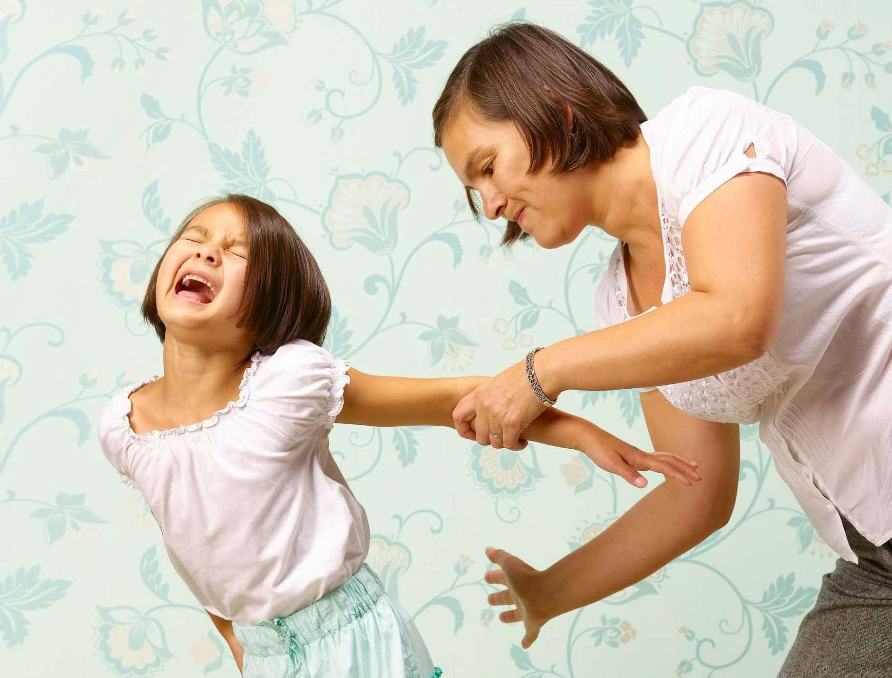 در هنگام تنبیه کودکان چه نکاتی را باید در نظر گرفت؟